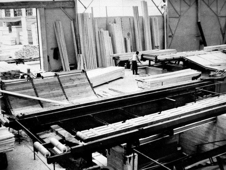 Lavorazione e stoccaggio del legno presso segheria ghilotti di Tirano